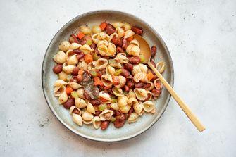 vegan pasta met bonen