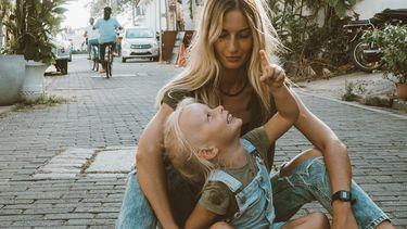 moeder met veilig gehecht kind