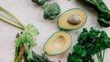 groene groenten op een tafel