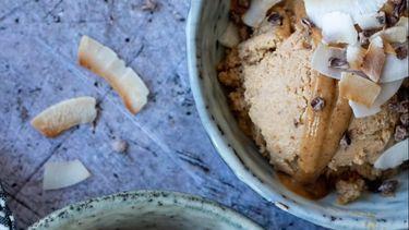 recept vegan ijs kaneel pindakaas