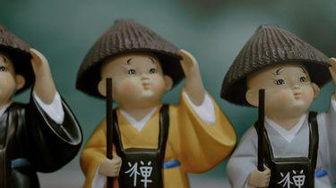 poppetjes die verwijzen naar de chinese geneeskunde