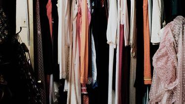 kleding rek met kleding