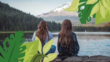 2 vriendinnen bij meer