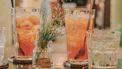 twee cocktails op tafel