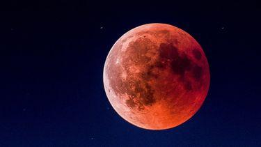 volle rode maan