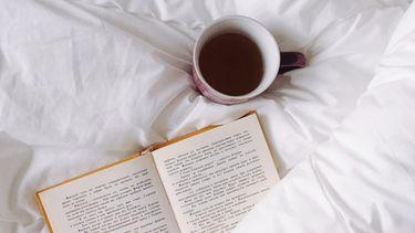boek op een bed