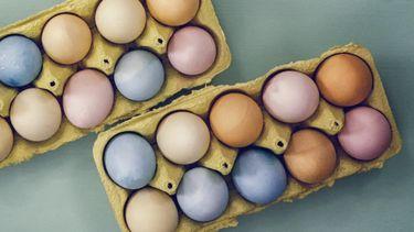 met pasen eieren verven op een natuurlijke manier