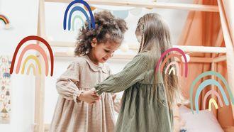 kinderen spelen met elkaar