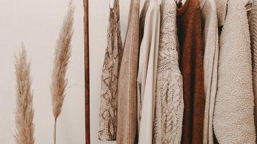 duurzame mode op een rek