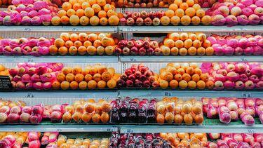 Schap in duurzame supermarkt zweden