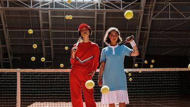 vrouwen op de tennisbaan