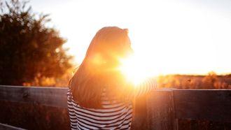 meisje in de zon