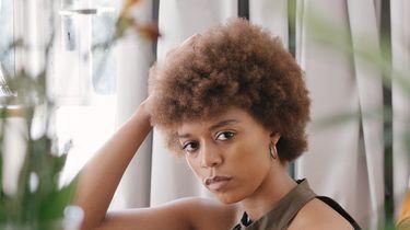 vrouw die frustraties wil afreageren op anderen