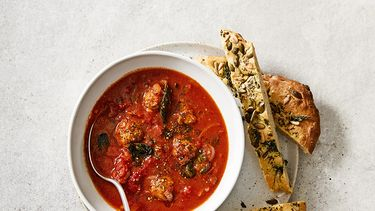 tomaten muntsoep met balletjes