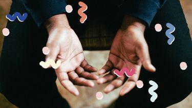 twee helende handen die reiki doen