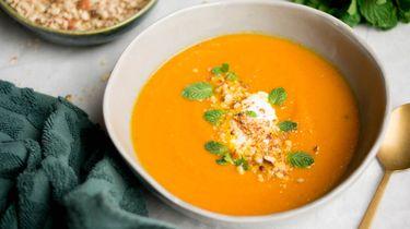 Afbeelding van vegan wortelsoep met dukkah recept 1