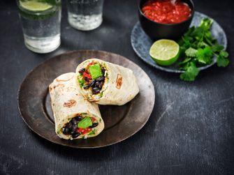 Burrito met courgette en zwarte bonen
