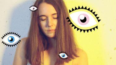 meisje met ogen gesloten