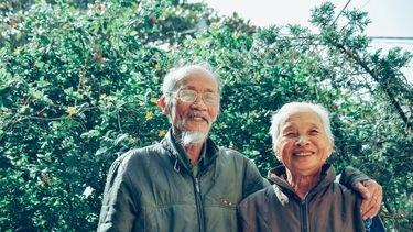Man en vrouw die lang en gelukkig leven