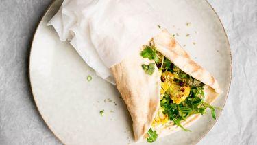 Afbeelding van gezonde wraps met hummus 1