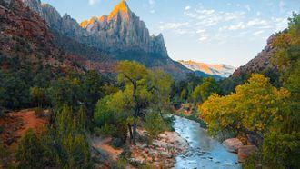 bergen en rivier