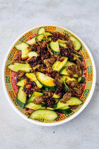 vegan komkommersalade met pulled oats
