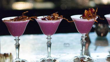 drie cocktails op een rij