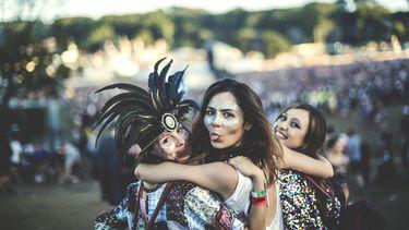 meisjes op festival
