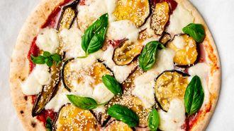 vega pizza met aubergine