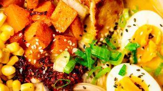 ramen met miso, pompoen en tofu