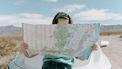 vrouw met kaart