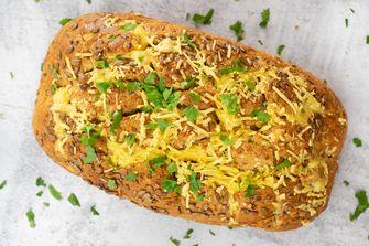 Cheesy vegan knoflookbrood - Becel