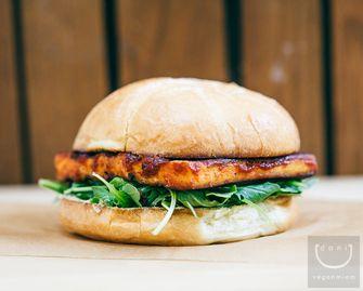 Vegan BBQ burger