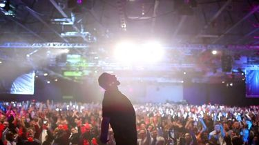 Tony Robbins I Am Not Your Guru Netflix Original