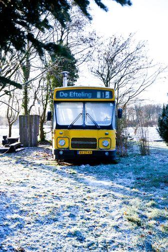 bus op camping