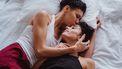 twee vrouwen verliefd in bed