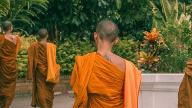 monniken lopen