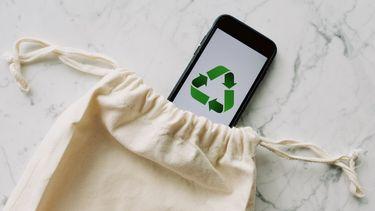 telefoon in zero waste tasje