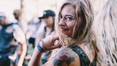 meisje op festival