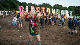 glastonbury, plastic, festival (1)