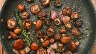 paddenstoelen in een pan