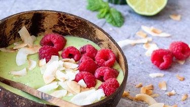 groene-smoothiebowl munt framboos