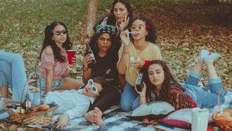 vrouwen in park