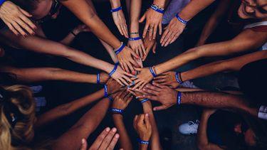 handen in een cirkel