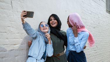 Meisjes maken selfie