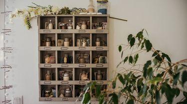 kastje met natuurlijke medicijnen