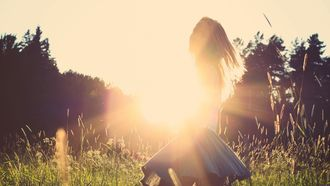meisje in veld