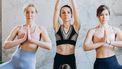 3 meisjes doen yoga