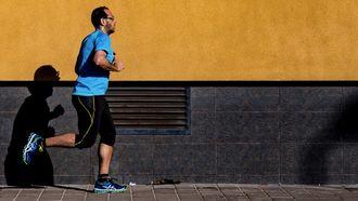 man die aan het hardlopen is