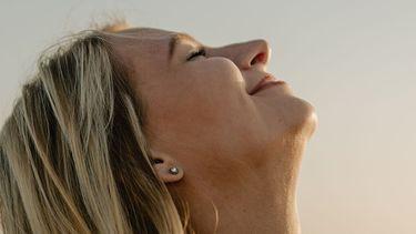 vrouw die ademt